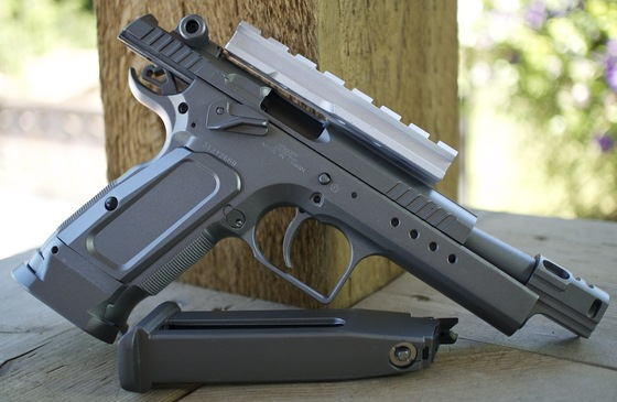 Пистолет пневматический Swiss Arms Tanfoglio Gold Custom