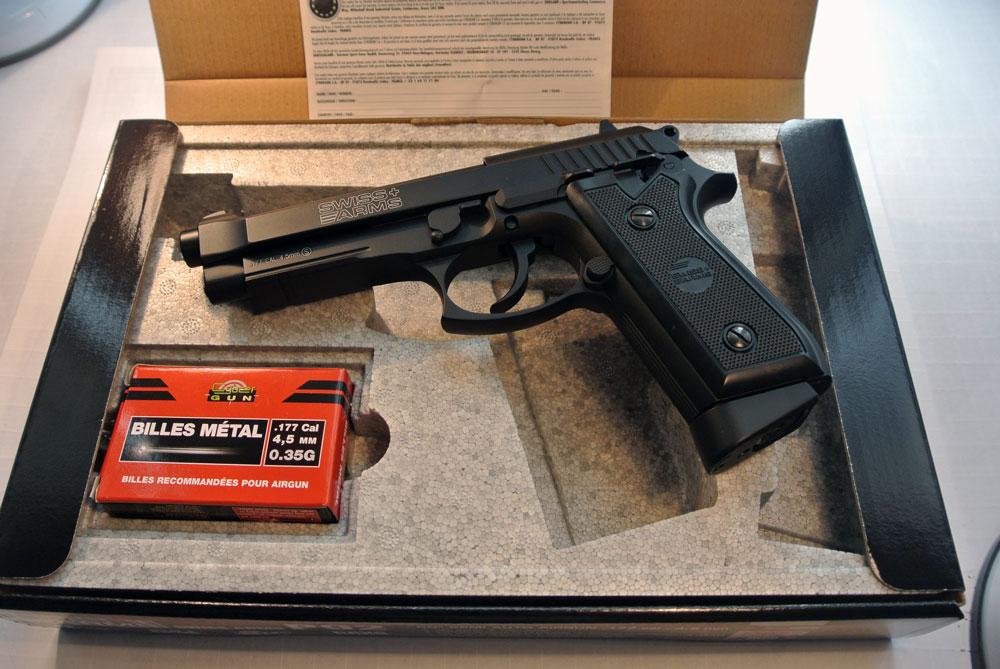 Пистолет пневматический Swiss Arms P92
