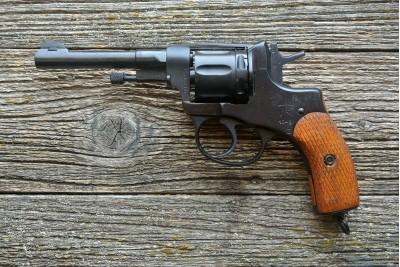 Оружие списанное охолощенное Р-412 револьвер НАГАН кал. 10ТК 40-х годов