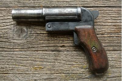 Пистолет сигнальный ВПО-524 деревянная рукоять (Ракетница СПШ-44 под капсюль жевело)
