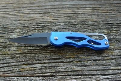 Тактический складной нож с карабином и клипсой (синий)