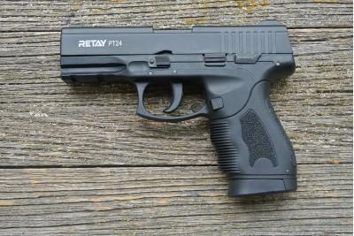 Пистолет охолощенный Retay PT24 (Taurus) черный, кал. 9мм P.A.K